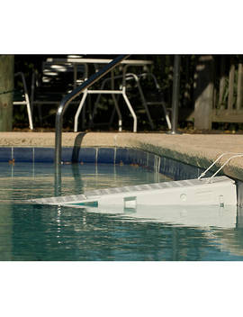 Skamper Ramp Water Escape Pet Ramp by Skamper Ramp