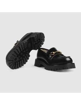 Loafer Aus Leder Mit Horsebit Und Profilsohle by Gucci