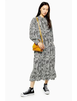 Bell Sleeve Chuck On Dress by Topshop