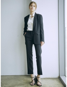[Drama Signature] Slim Straight Trousers Black by Frontrow