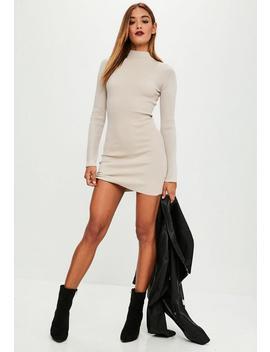 Vestido Jersey De Punto Con Cuello Alto En Beige by Missguided