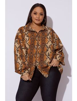 Curve Dani Dyer Mustard Snake Print Oversized Shirt by In The Style
