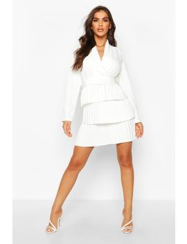 Belted Pleated Detail Blazer Dress by Boohoo