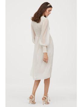 Smockad Chiffongklänning by H&M