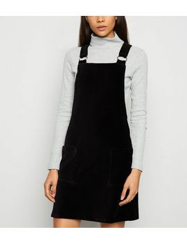 Black Corduroy Ring Buckle Pinafore Dress by New Look