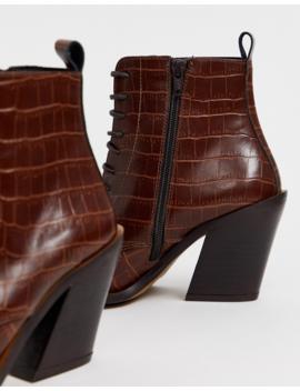 Asos Design – Redwood – Schnürstiefel Im Westernstil Aus Hochwertigem Leder In Braun Mit Krokodesign by Asos
