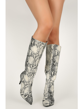 Pointy Toe Stiletto Knee High Boots by Urbanog