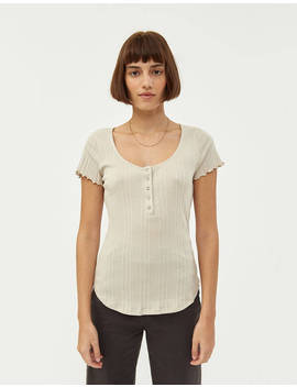 Blumie Scoop Neck Tee by Needneed