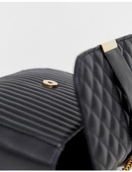 Asos Design – Vadderad Crossbody Väska by Asos Design