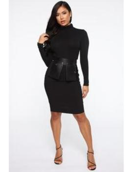 Fifth Avenue Pocket Belt   Black by Fashion Nova