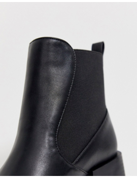 Raid Exclusive Lucinda Black Chelsea Boots With Block Heel by Raid