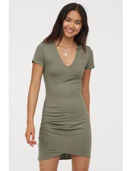 Vestido De Punto Escote En V by H&M