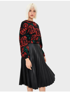 Pull Cropped Avec Des Roses by Bershka