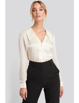 V Neck Collar Detailed Shirt Vit by Trendyol