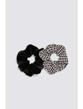 2  Pack Of Assorted Scrunchies View All Accessories Woman by Zara