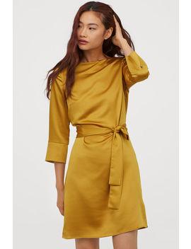 Šaty Se Zavazovacím Páskem by H&M