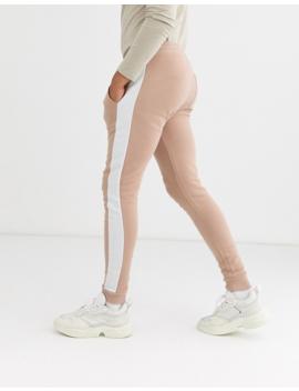 Asos Design – Enge Jogginghose Mit Seitlichen Streifen In Beige by Asos