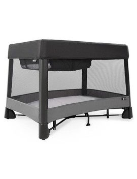 4moms Breeze Plus One Handed Set Up Playard With A Removable Bassinet And Changer   Black by 4moms