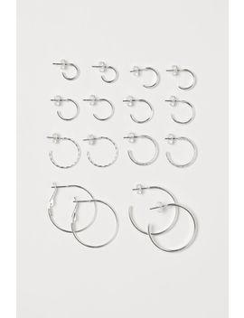 8 Paar Ohrringe by H&M