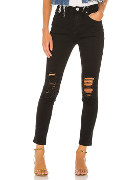 Suza Distressed Jeans In Black by Superdown