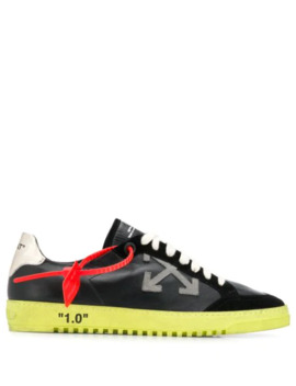 2.0 Low Sneakers by Off White