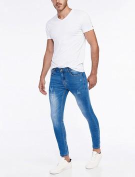 ג'ינס Benjamin בגזרת יאנג by Castro