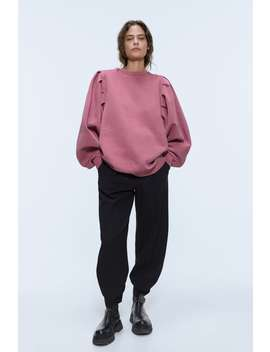 sweatshirt-with-wide-sleeves by zara