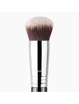 F82 Round Kabuki™ Brush by Sigma Beauty