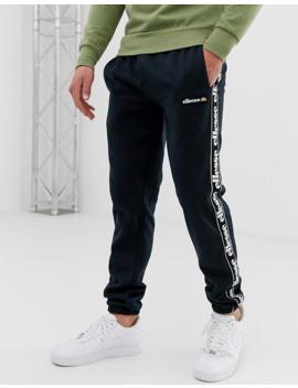 joggers-de-polar-reciclado-con-cinta-en-negro-exclusivos-en-asos-jacopo-de-ellesse by ellesse
