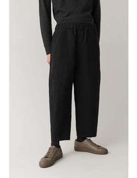 oversized-durable-trousers by cos