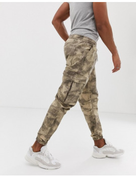 boohooman-–-cargo-hose-mit-military-muster by asos