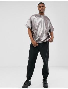 camiseta-extragrande-en-gris-metalizado-de-asos-design by asos-design