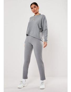 grey-knitted-sweat-and-trousers-co-ord-set by missguided