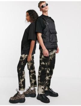 collusion-–-unisex-–-gerade-geschnittene-jeans-mit-batik-muster-im-90er-jahre-look by asos