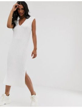 boohoo-exclusive-sleeveless-knitted-midi-dress-with-v-neck-in-cream by boohoo