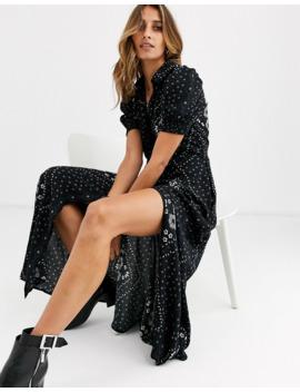 vero-moda-–-scarfmönstrad-skjortklänning-i-maximodell by vero-moda