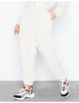teddy-joggers by nly-trend