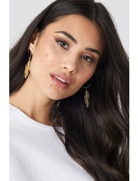 fine-feather-hoop-earrings-guld by na-kd-accessories