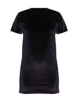 black-velvet-oversized-t-shirt-dress by prettylittlething