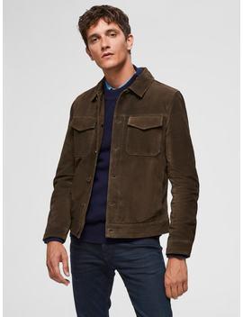 de-estilo-camionero---chaqueta-de-piel de-estilo-camionero---chaqueta-de-piel  corte-regular-fit---camisa-vaquera  de-estilo-náutico---jersey-de-punto  6155---jeans-slim-fit  de-piel-con-puntera-tipo-mocasín---zapatos-de-vestir by selected