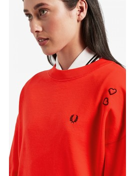amy-winehouse-foundation-heart-detail-sweatshirt by fred-perry