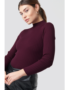 ribbed-knitted-polo-sweater-rood by na-kd