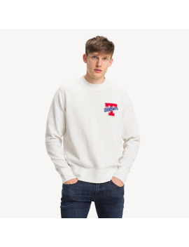 relaxed-fit-pullover-mit-badge by tommy-hilfiger