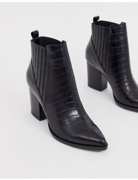 steve-madden-–-justina-–-ankle-boots-aus-schwarzem-leder-im-kroko-look-mit-mittelhohen-absätzen by asos