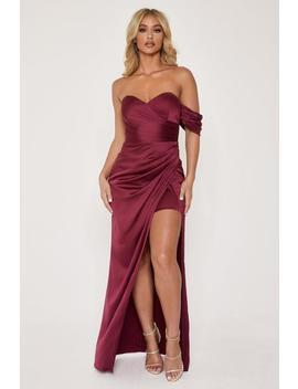elodie-sweet-heart-drape-shoulder-maxi-dress---burgundy by meshki