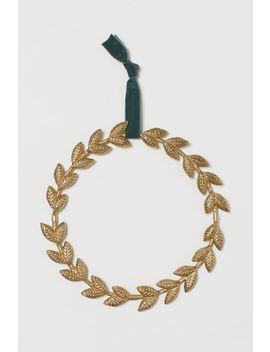 metal-wreath by h&m