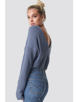 knitted-deep-v-neck-sweater-blau by na-kd