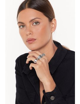 keep-your-head-up-skull-3-pc-chunky-ring-set by nasty-gal
