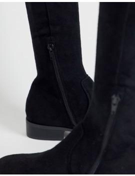 asos-design-–-kayden-–-flache,-oberschenkelhohe-stiefel-in-schwarz by asos
