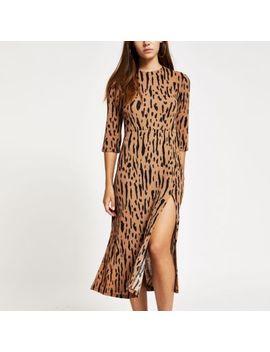 petite-brown-print-thigh-split-midi-dress by river-island